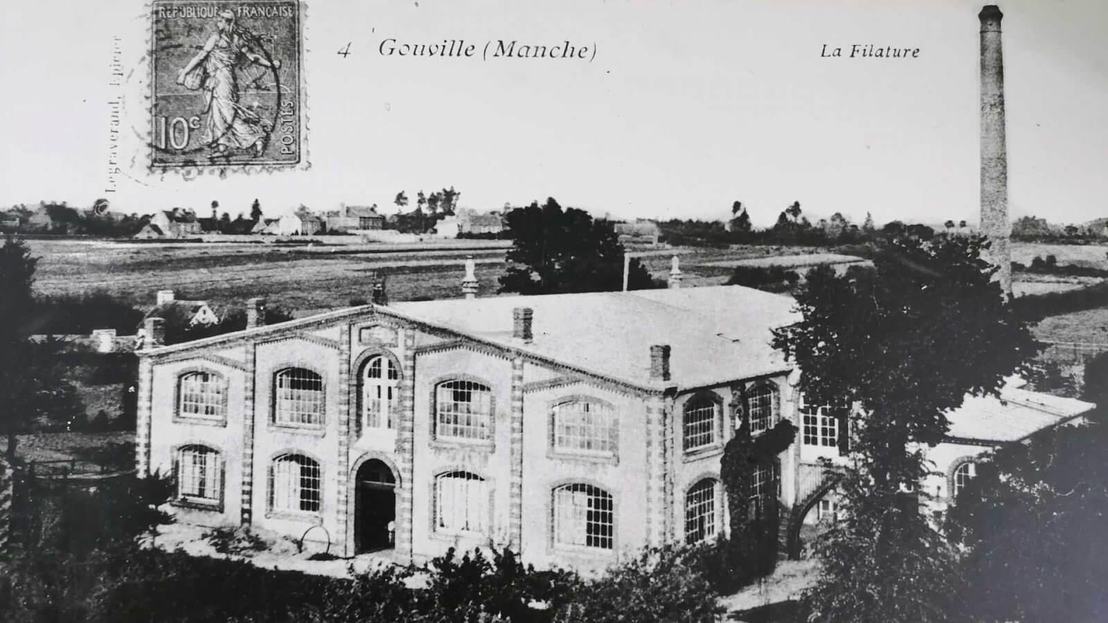 Ancienne carte postale montrant la filature de Gouville-sur-mer.